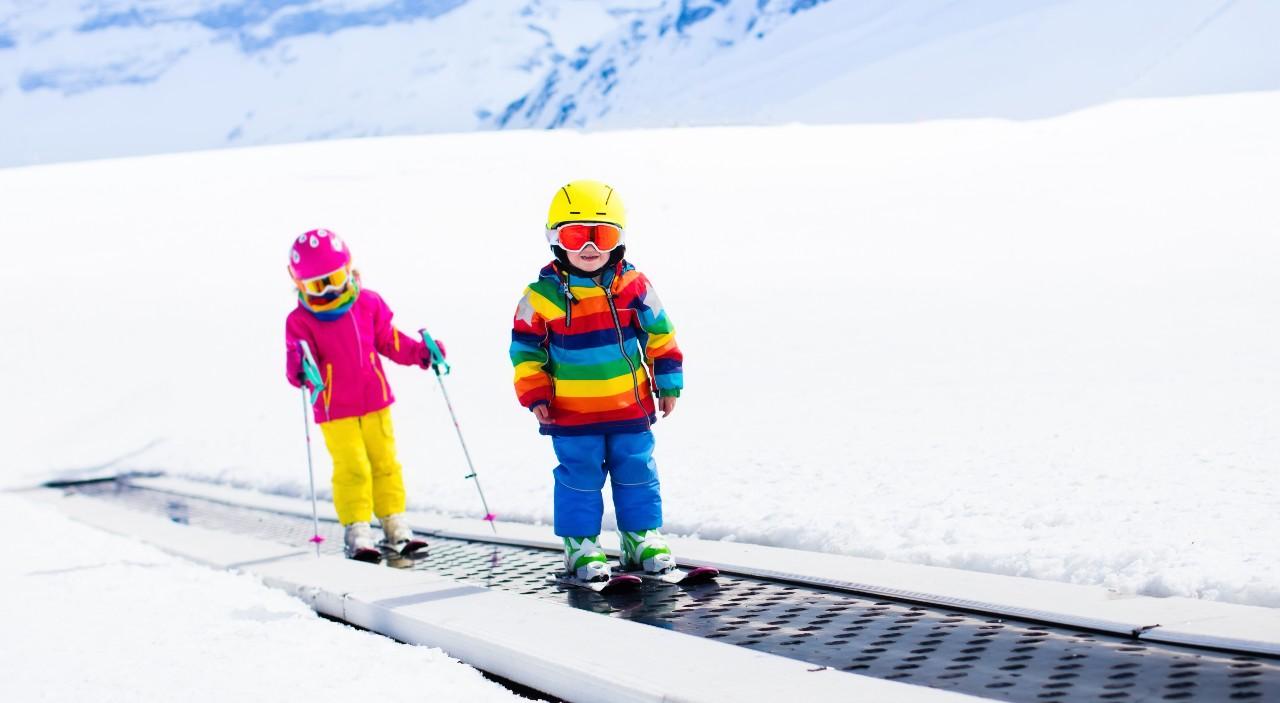 Jezdící koberec, první lyžařský vlek vašich dětiček