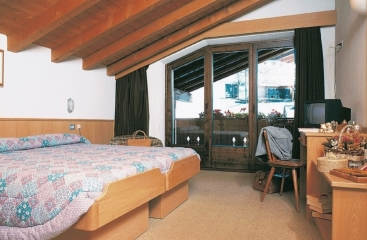 Hotel Derby - Alta Valtellina - Bormio / San Colombano