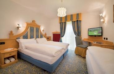 Hotel Cristallo - Dolomiti Superski - Alpe Lusia / San Pellegrino - Tre Valli