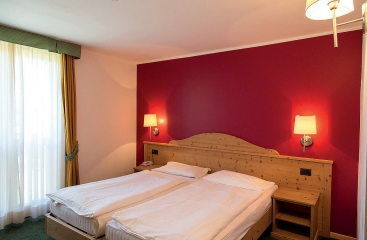 Hotel Alpine Mugon - Skirama Dolomiti Adamello Brenta - Monte Bondone