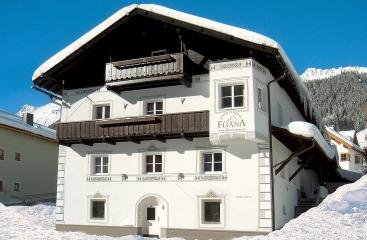 Apt. dům Fliana ***