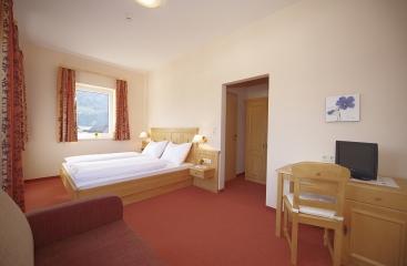 Hotel Pariente ***