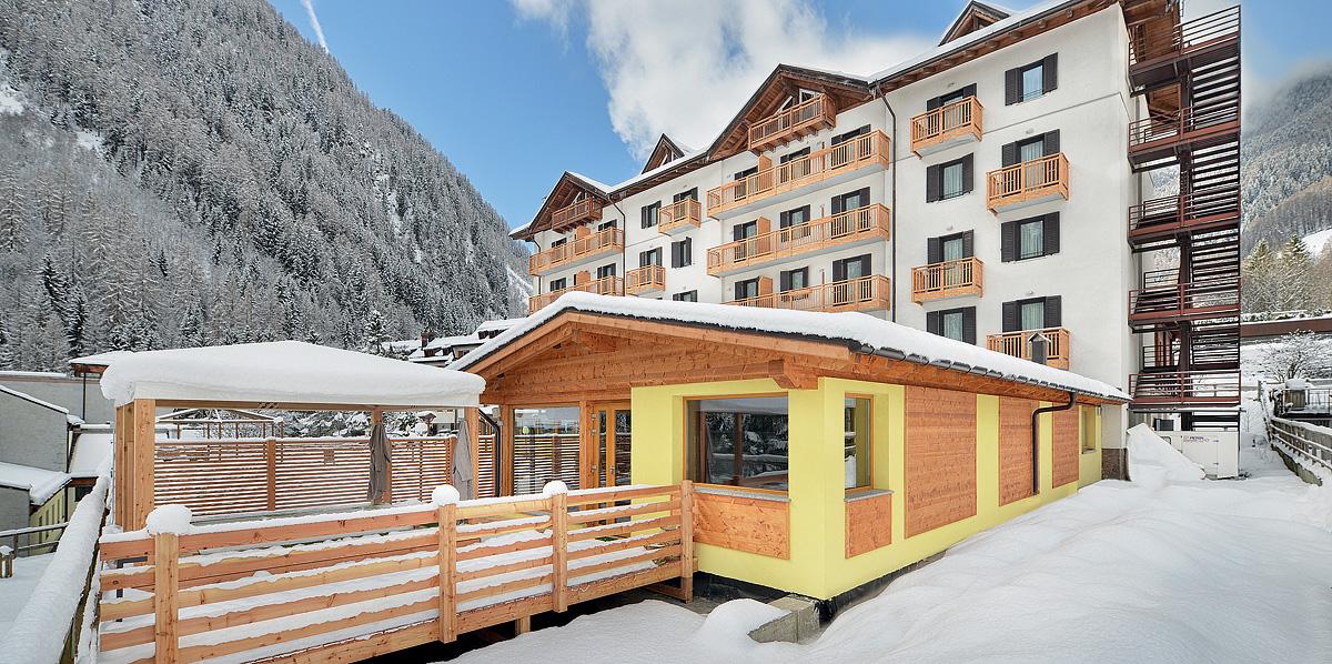 Itálie (Skirama Dolomiti) - lyžování - HOTEL CRISTALLO