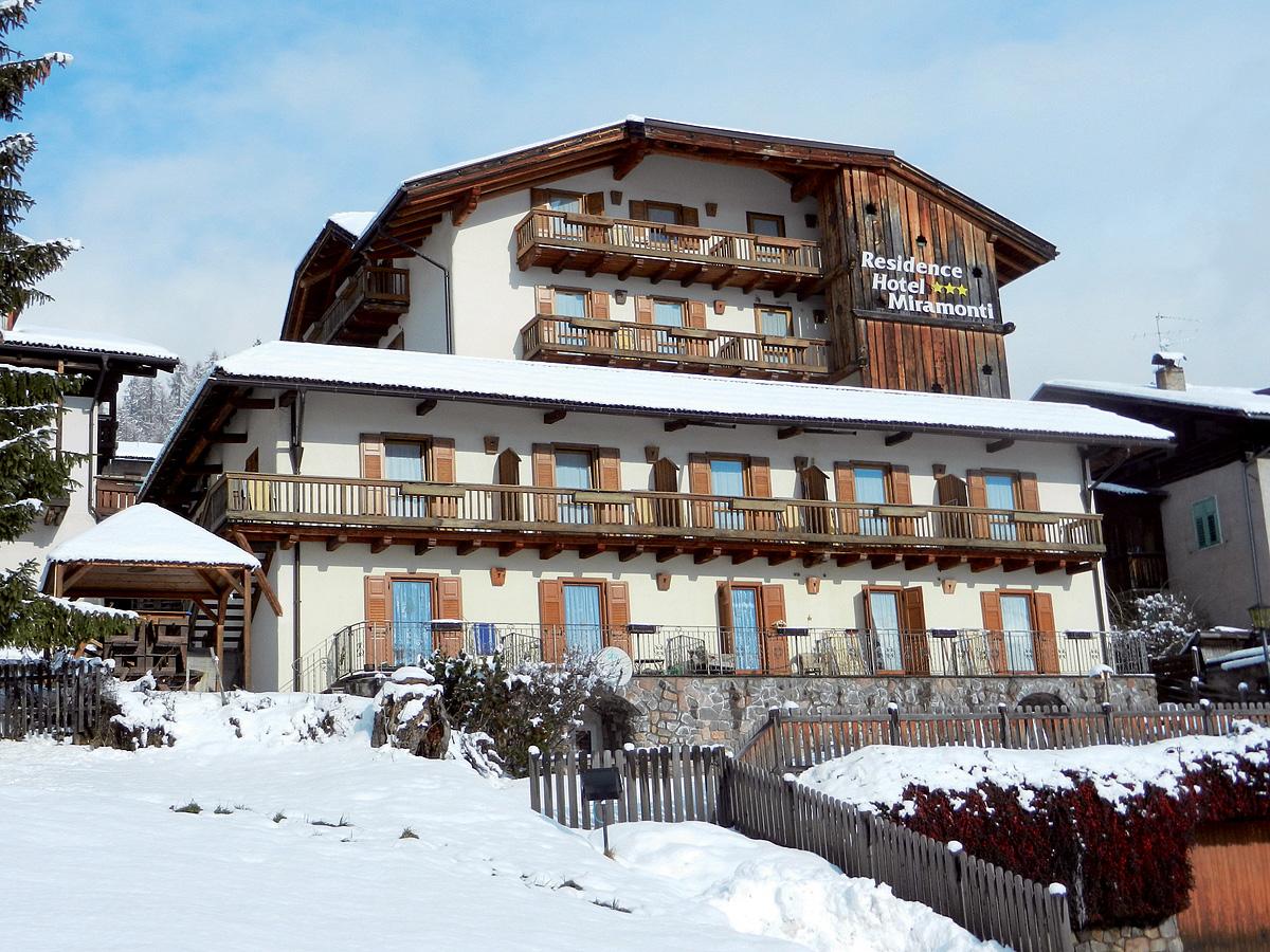 Itálie (Dolomiti Superskix) - Residence Miramonti