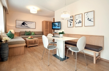 Hotel Appartements Neuhaus - Tyrolsko - Zillertal 3000 / Hintertux