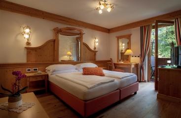 Hotel Monte Giner - Skirama Dolomiti Adamello Brenta - Marilleva / Folgarida