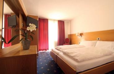Hotel Fanes - Dolomiti Superski - Alpe Lusia / San Pellegrino - Tre Valli