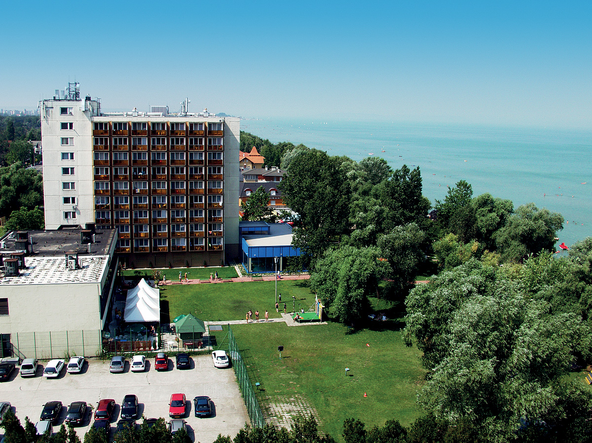 Maďarsko (Maďarsko) - dovolená - HOTEL MAGISTERN