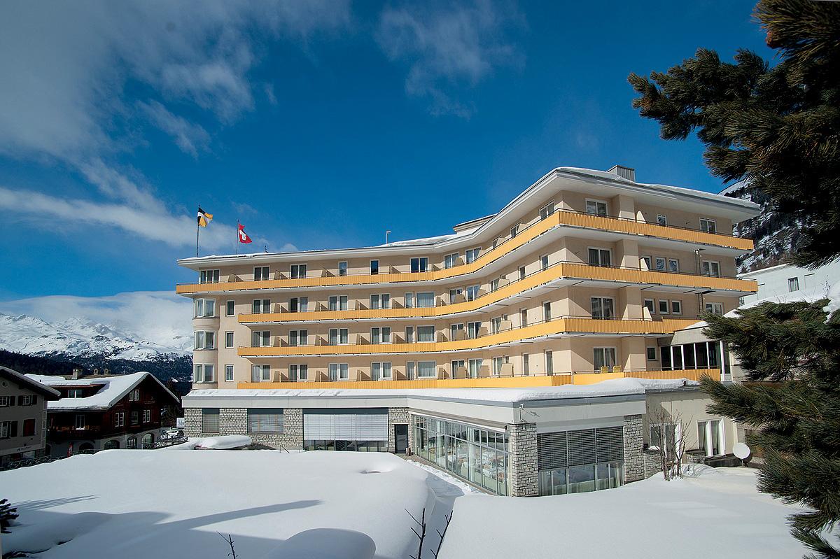 Švýcarsko (Graubünden) - lyžování - HOTEL SCHWEIZERHOF