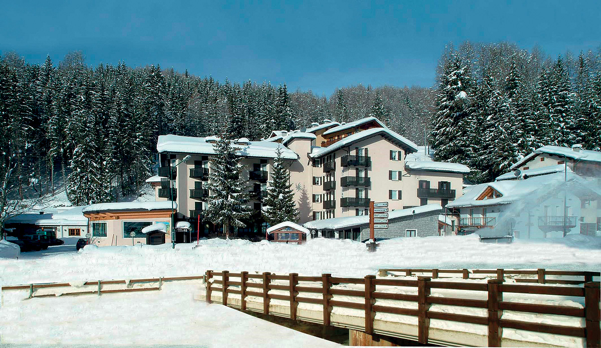Itálie (Valtellina) - lyžování - HOTEL ANDOSSI