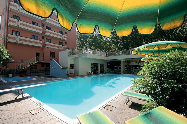 Itálie (Jižní Jadran) - dovolená - HOTEL SUSY
