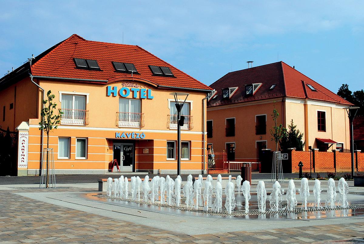 Maďarsko (Maďarsko) - dovolená - HOTEL VIKTÓRIA
