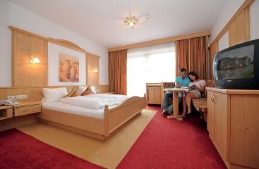 Hotel Sonneck se skipasem - Tyrolsko - Hochkössen
