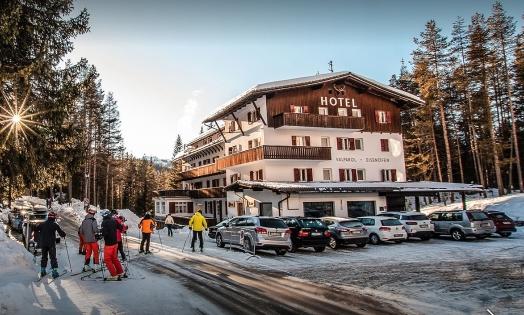 Hotel Valparol