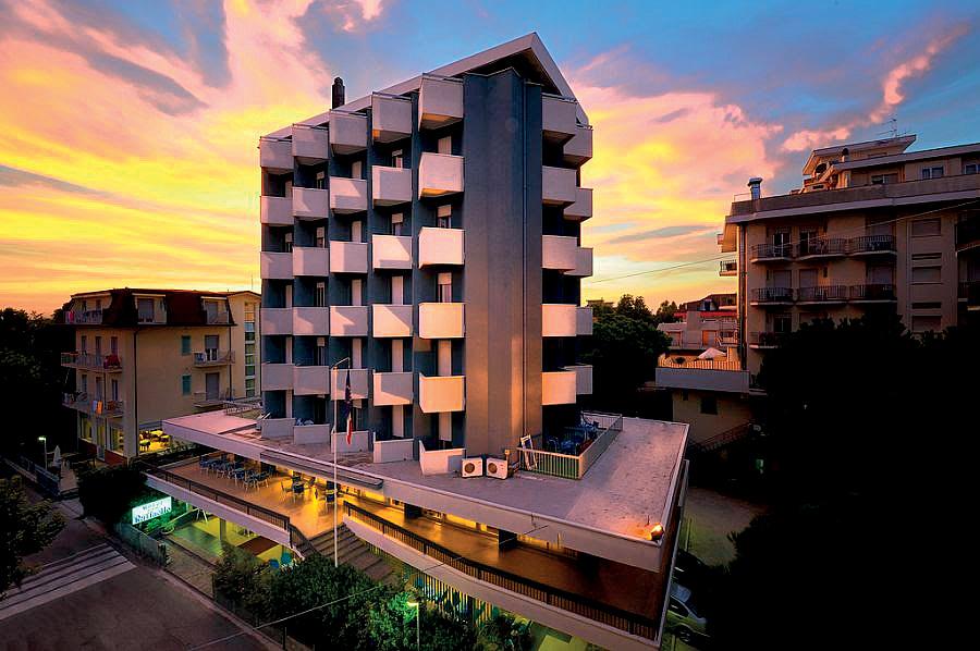 Itálie (Jižní Jadran) - dovolená - HOTEL RAFFAELLO